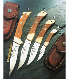 Hunting knife with lock